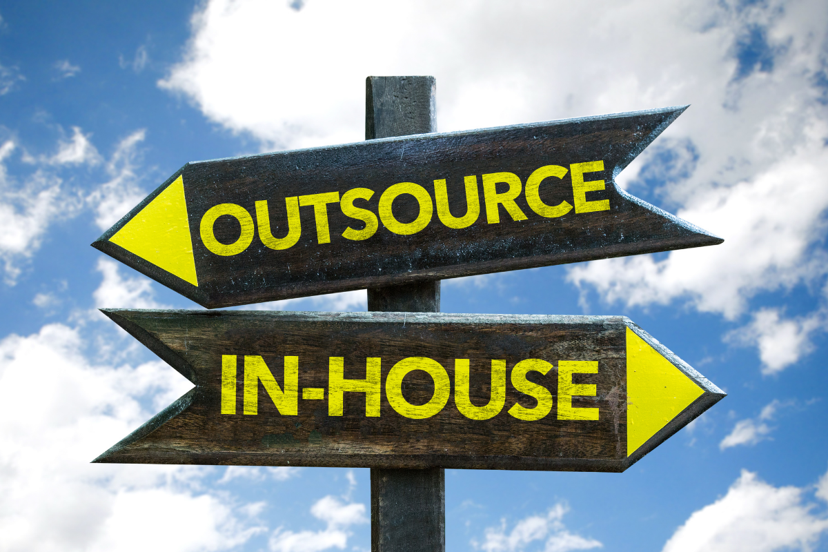 insourcing-vs-outsourcing-banner